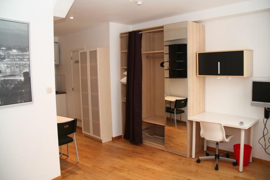 Appartement Meuble Bruxelles Studio Chaussee De Waterloo Quartier Porte De Hal Rent A Flat Brussels